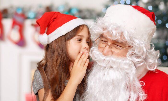 girl visiting santa 700x420 1
