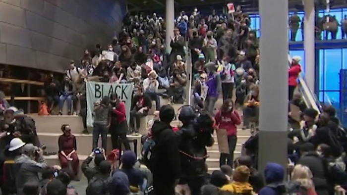 Seattle protesters storm City Hall, demand mayor resign after driving police out of area, declaring autonomous zone