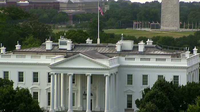 'No climb' fence going up around White House, says law enforcement source